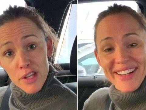 Jennifer Garner performs impressive tongue twister with numb mouth after dentist trip
