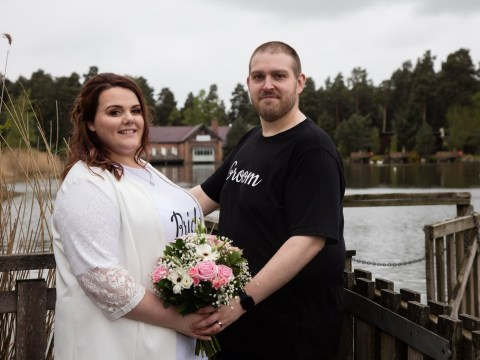 Couple get married in jeans and T-shirts to show weddings don't have to be expensive