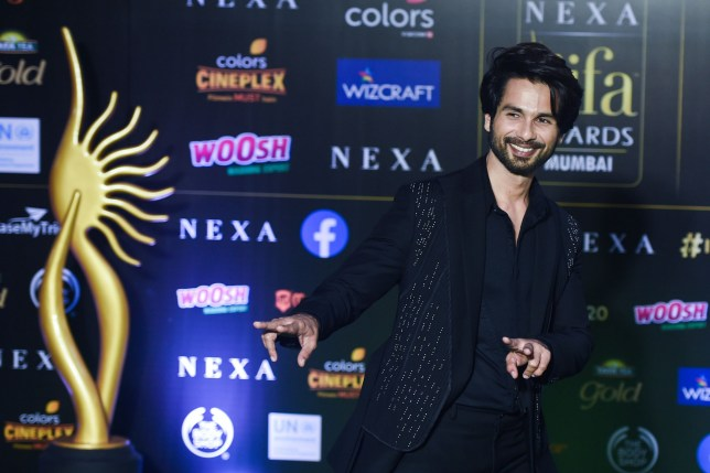Bollywood actor Shahid Kapoor poses at the 20th International Indian Film Academy (IIFA) Awards at NSCI Dome in Mumbai early on September 19, 2019. (Photo by Punit PARANJPE / AFP)PUNIT PARANJPE/AFP/Getty Images