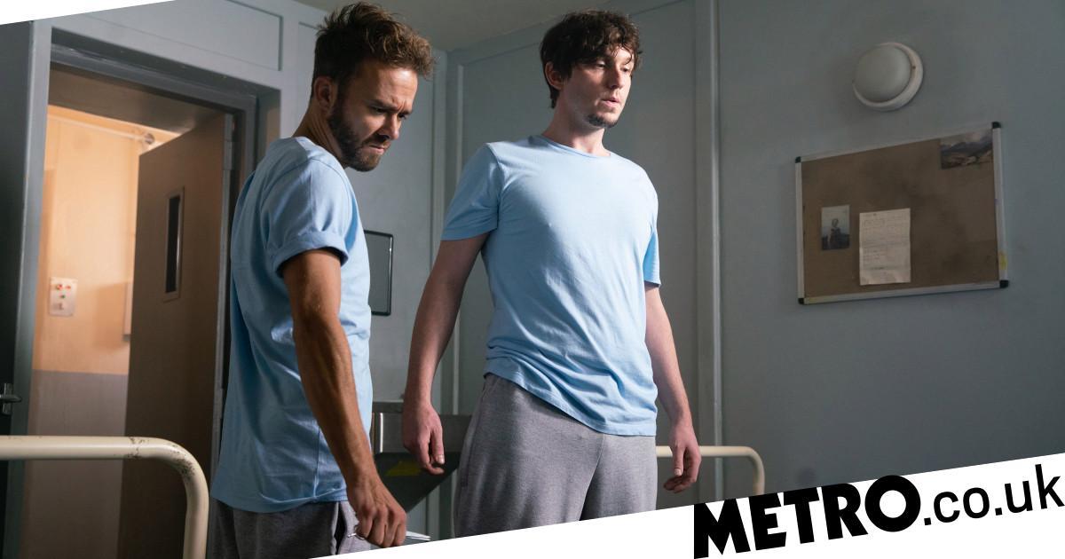 Does David stab and kill Josh in Coronation Street?