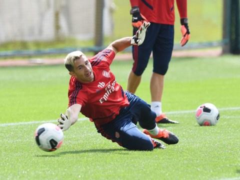 Emiliano Martinez sends warning to Arsenal teammate Bernd Leno