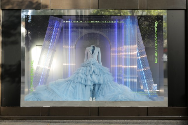 Christmas Window Displays.Selfridge S Christmas Windows Are Futuristic And Even Santa