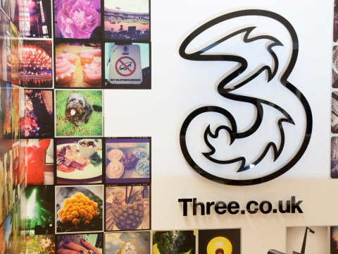 Three network down leaving thousands unable to make calls or use data