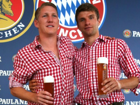 Bastian Schweinsteiger sends message to Thomas Muller over Manchester United transfer