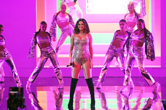 Selena Gomez looks incredible on stage at the AMAs