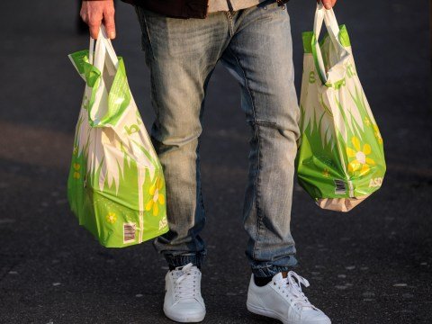 Supermarkets' single-use plastic waste rises to nearly 1,000,000 tonnes a year