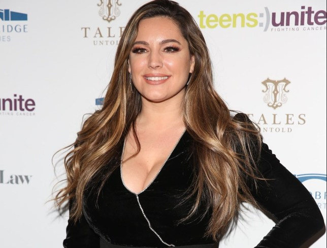 BGUK_1801433 - London, UNITED KINGDOM - Kelly Brook attends Teens Unite: Tales Untold Gala at Rosewood in London Pictured: Kelly Brook BACKGRID UK 29 NOVEMBER 2019 BYLINE MUST READ: Ana M. Wiggins / BACKGRID UK: +44 208 344 2007 / uksales@backgrid.com USA: +1 310 798 9111 / usasales@backgrid.com *UK Clients - Pictures Containing Children Please Pixelate Face Prior To Publication*