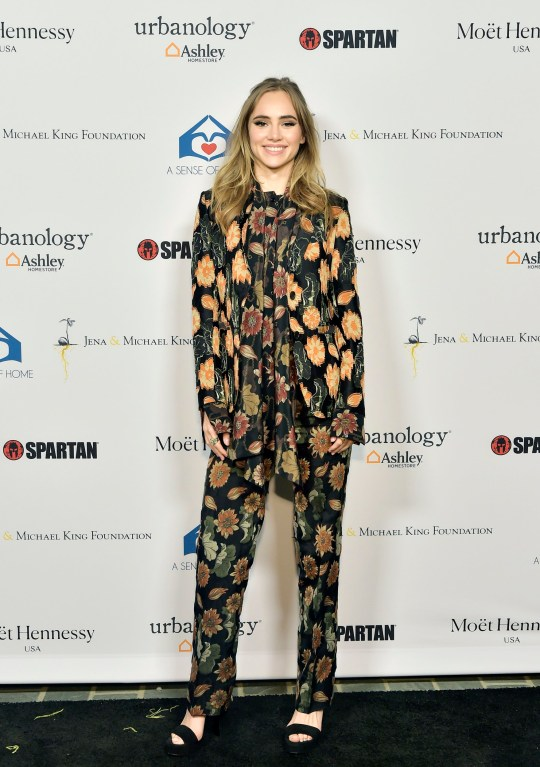 BEVERLY HILLS, CALIFORNIA - NOVEMBER 01: Suki Waterhouse attends A Sense Of Home's First Ever Annual Gala - The Backyard Bowl at a Private Residence on November 01, 2019 in Beverly Hills, California. (Photo by Stefanie Keenan/Getty Images for A Sense of Home)