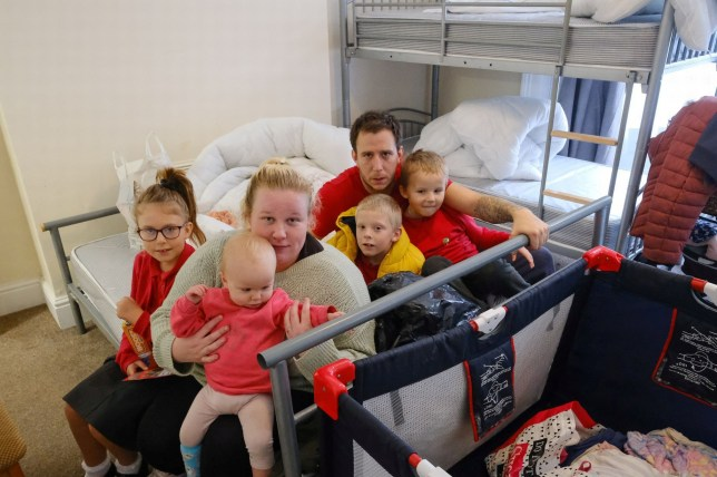 Family of six left living in one 'filthy' room