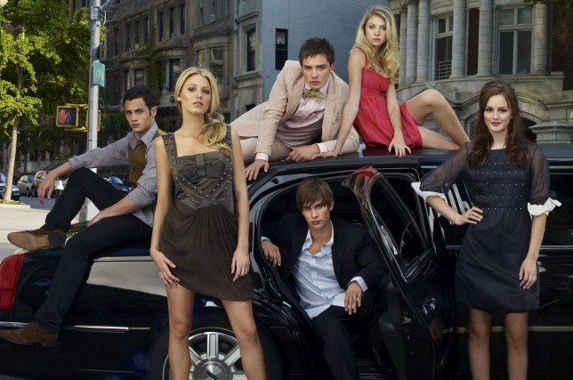 Editorial use only. No book cover usage. Mandatory Credit: Photo by Andrew Eccles/Cw Network/Kobal/REX/Shutterstock (5886128v) Penn Badgley, Ed Westwick, Taylor Momsen, Blake Lively, Chace Crawford, Leighton Meester Gossip Girl - 2007 Cw Network USA TV Portrait