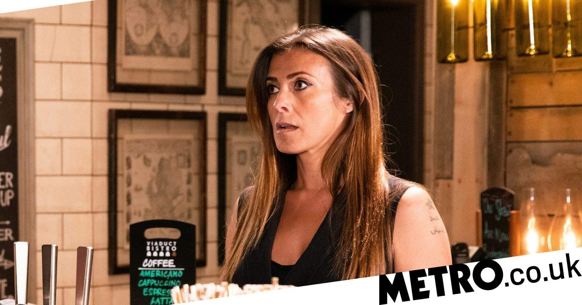 Coronation Street star lashes out at toxic Twitter fans in Coronavirus row