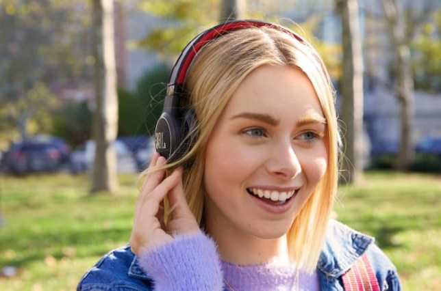 The JBL Reflect Eternal headphones charge from just a few hours in the sunshine (JBL/Indiegogo)