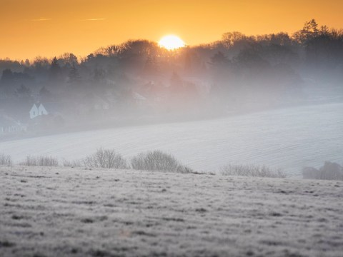Winter freeze sees temperatures fall to -10C as frost covers UK