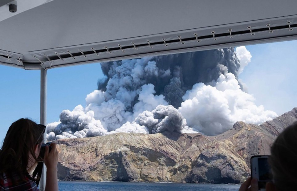 Bildergebnis für volcano white island