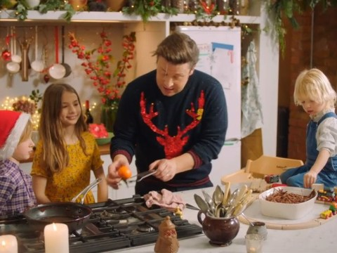Jamie Oliver prepares Christmas meal with children Petal, Buddy and River in adorable video