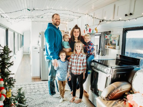 Family of eight ditch their home and possessions to travel America on a bus they bought on eBay