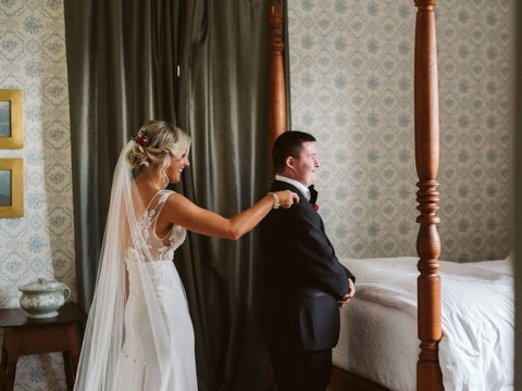 Bride poses for joyful first look photos with her brother