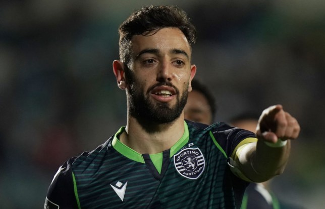 Bruno Fernandes of Sporting CP celebrates after scoring a goal during the Liga NOS match between Vitoria FC and Sporting CP at Estadio do Bonfim on January 11, 2020 in Setubal, Portugal.
