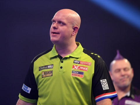 Michael van Gerwen angry after 'disaster' loss to Peter Wright in PDC World Darts Championship final