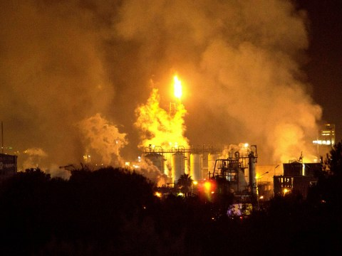 One dead after huge explosion at chemical plant in Spain