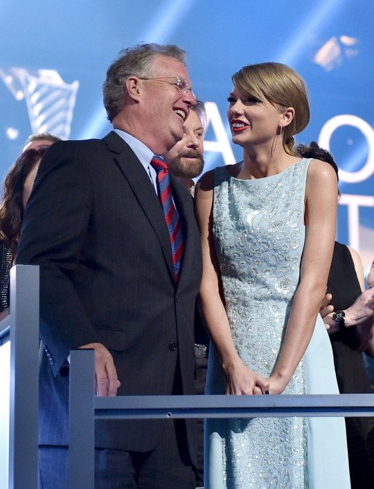 ARLINGTON, TX - APRIL 19: Scott Swift (L) and honoree Taylor Swift attend the 50th Academy Of Country Music Awards at AT&T Stadium on April 19, 2015 in Arlington, Texas. (Photo by Larry Busacca/ACM2015/Getty Images for dcp)
