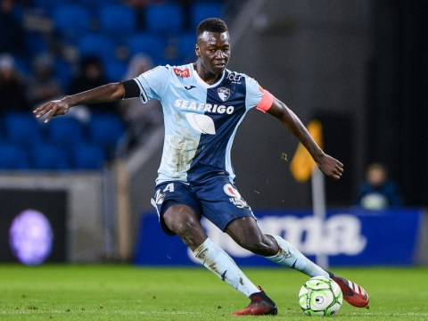 Arsenal set to agree deal to sign defensive midfielder Pape Gueye