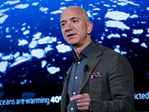 Jeff Bezos pledges $10,000,000,000 to fight climate change
