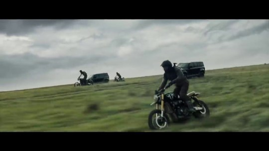 James Bond's Land Rover springs into action in BTS clip