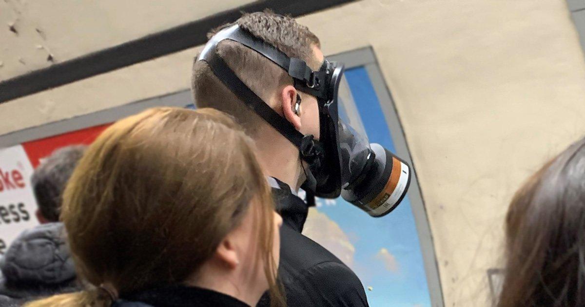 virus gas mask