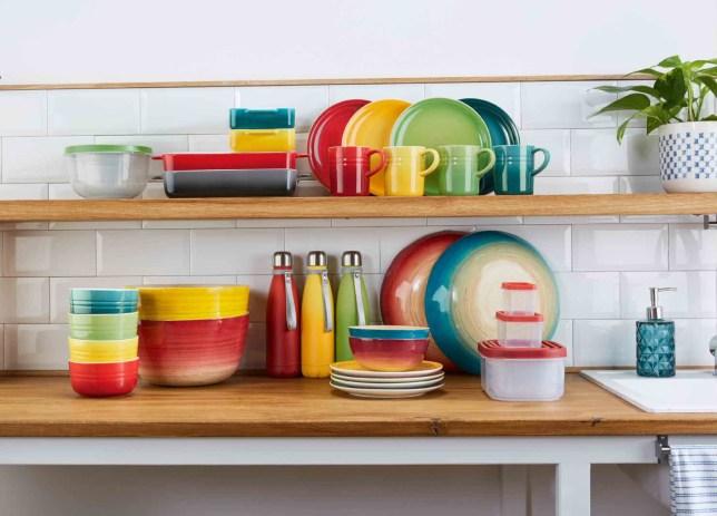 The mugs, plates and bowls