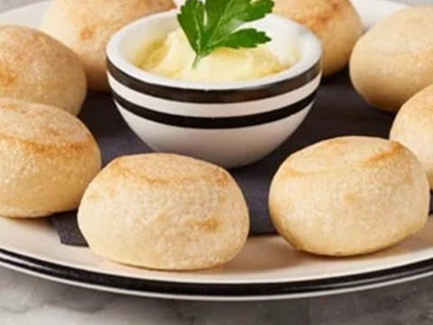 Pizza Express reveals recipe for doughballs and garlic butter so you can make them at home