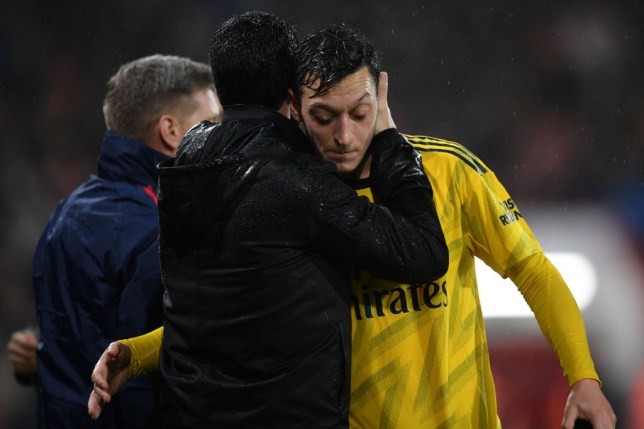 Mesut Ozil has refused to take a 12.5% pay cut at Arsenal