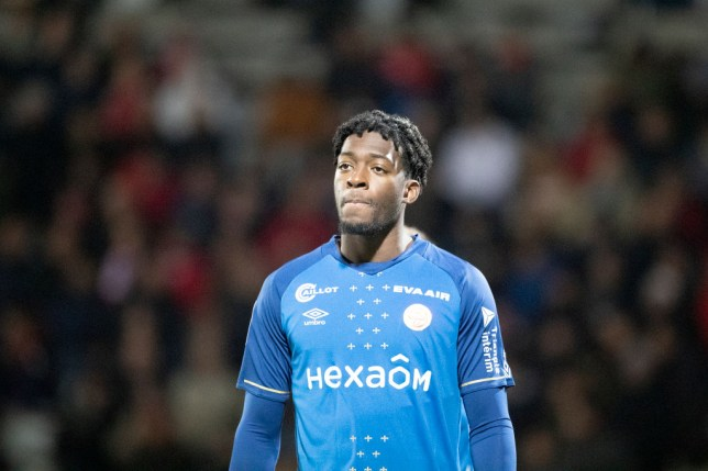 Arsenal plan to step up talks to sign Reims centre-back Axel Disasi