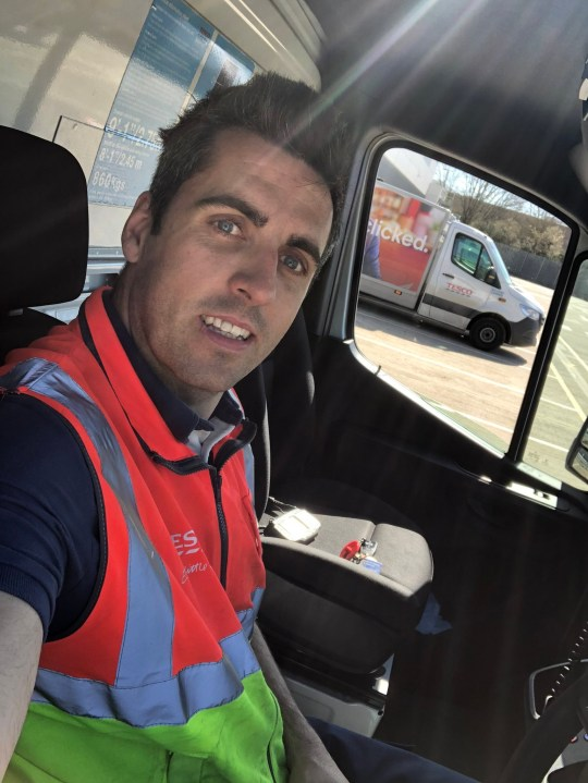 A BRITISH Airways pilot out of work due to coronavirus has landed a job as a Tesco delivery driver. Peter Login working for Tesco for the first time back in Dec 2019. TRIANGLE NEWS 0203 176 5581 // contact@trianglenews.co.uk By Andy Crick Peter Login has been saluted for his temporary change of career. The BA First Officer is used to flying 747s. But the airline has grounded all flights at Gatwick, they are reduced at Heathrow and 30,000 cabin crew and ground staff have been laid off *TRIANGLE NEWS DOES NOT CLAIM ANY COPYRIGHT OR LICENSE IN THE ATTACHED MATERIAL. ANY DOWNLOADING FEES CHARGED BY TRIANGLE NEWS ARE FOR TRIANGLE NEWS SERVICES ONLY, AND DO NOT, NOR ARE THEY INTENDED TO, CONVEY TO THE USER ANY COPYRIGHT OR LICENSE IN THE MATERIAL. BY PUBLISHING THIS MATERIAL , THE USER EXPRESSLY AGREES TO INDEMNIFY AND TO HOLD TRIANGLE NEWS HARMLESS FROM ANY CLAIMS, DEMANDS, OR CAUSES OF ACTION ARISING OUT OF OR CONNECTED IN ANY WAY WITH USER'S PUBLICATION OF THE MATERIAL*