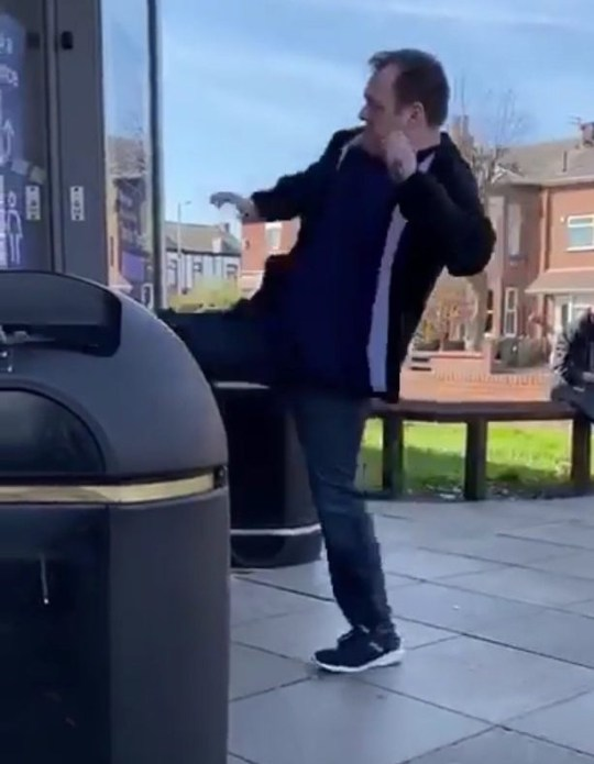 A COVIDIOT was arrested after allegedly attacking a Tesco worker during coronavirus lockdown in Birkdale, Liverpool. VIDEO HERE: https://www.dropbox.com/s/oz9cmld9liumepd/Man_attacks_Tesco_Birkdale_TRIANGLENEWS_video1.mp4?dl=0 TRIANGLE NEWS 0203 176 5581 // contact@trianglenews.co.uk By Andy Crick A COVIDIOT was arrested after allegedly attacking a Tesco worker during coronavirus lockdown forcing it to shut so others couldn???t do their shopping. The man was said to have been trying to buy beer in the supermarket but was asked to leave because he couldn???t pay. He then became aggressive and allegedly hit a store worker in the face. The man was then bundled out of the shop while staff waited for cops to arrive. He was then filmed booting the glass door in Birkdale, Liverpool at 11am yesterday/on Tuesday morning.