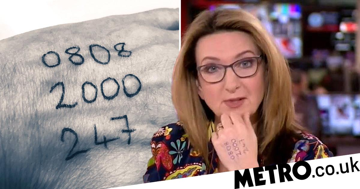 Victoria Derbyshire Presents Bbc News With Abuse Helpline On Her Hand Metro News
