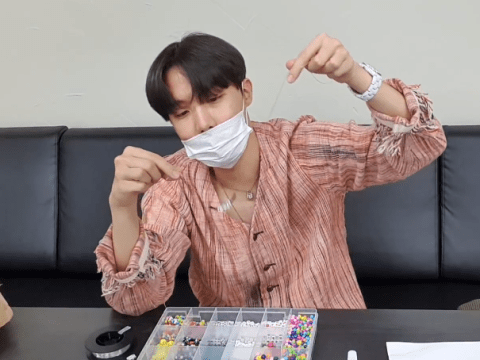 BTS' J-Hope making a bracelet for Jimin is the most soothing thing to watch