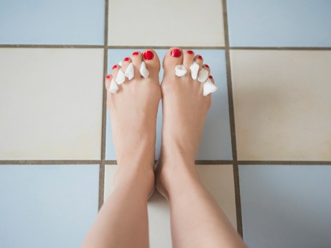 Feet Week: How to do a really easy home-pedicure