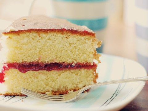 The Royal Family's pastry chefs share recipe on how to make Victoria sponge cake