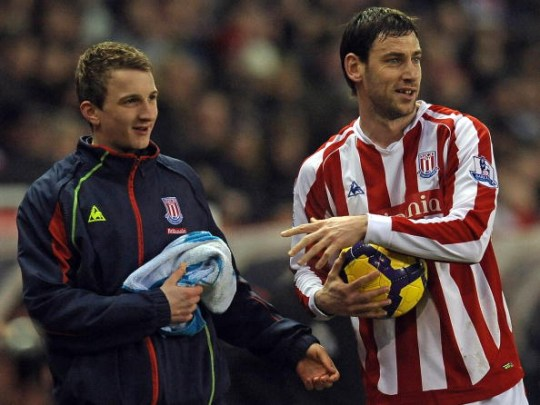 O Arsenal de Arsene Wenger não respondeu às incríveis jogadas longas de Rory Delap