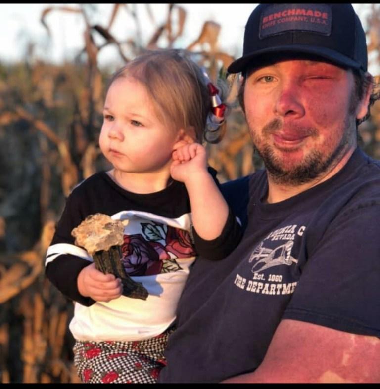 James Shelby avec sa fille, Harley, âgée de trois ans.