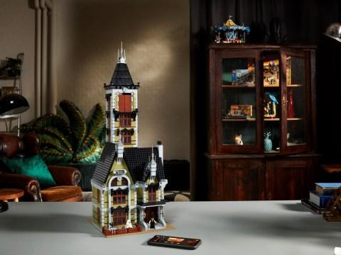 New Lego Haunted House set is filled with retro Lego secrets