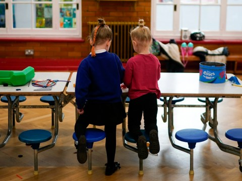 Primary school classes limited to 15 and desks spaced apart under new rules
