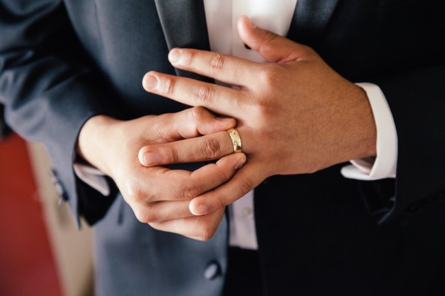 Men with longer ring fingers 'less likely to die from coronavirus'