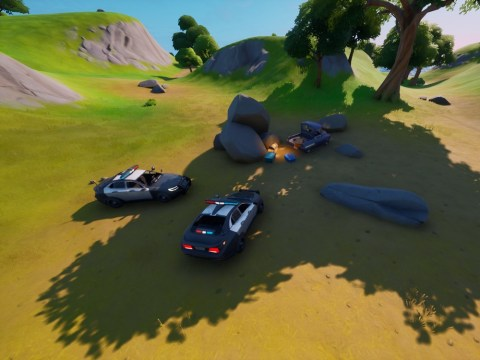 Fortnite deletes police cars from game