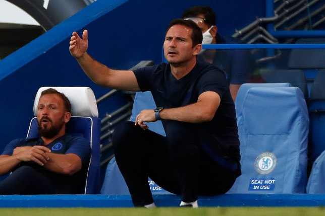 Frank Lampard looks on during Chelsea's Premier League clash with Manchester City