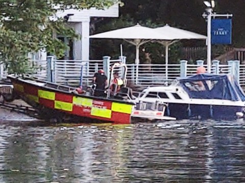 Desperate search for man feared to have drowned in River Thames