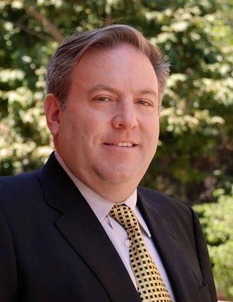 Un professeur d'université suspendu par l'UCLA Gordon Klein
