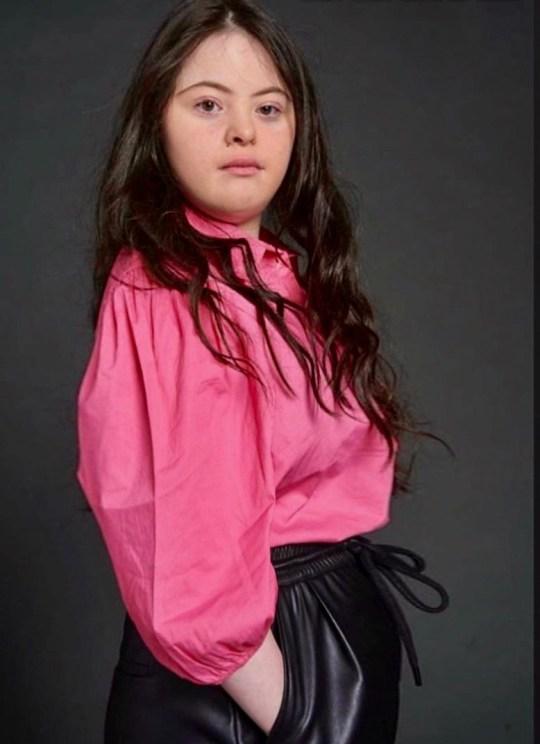 Ellie modelling