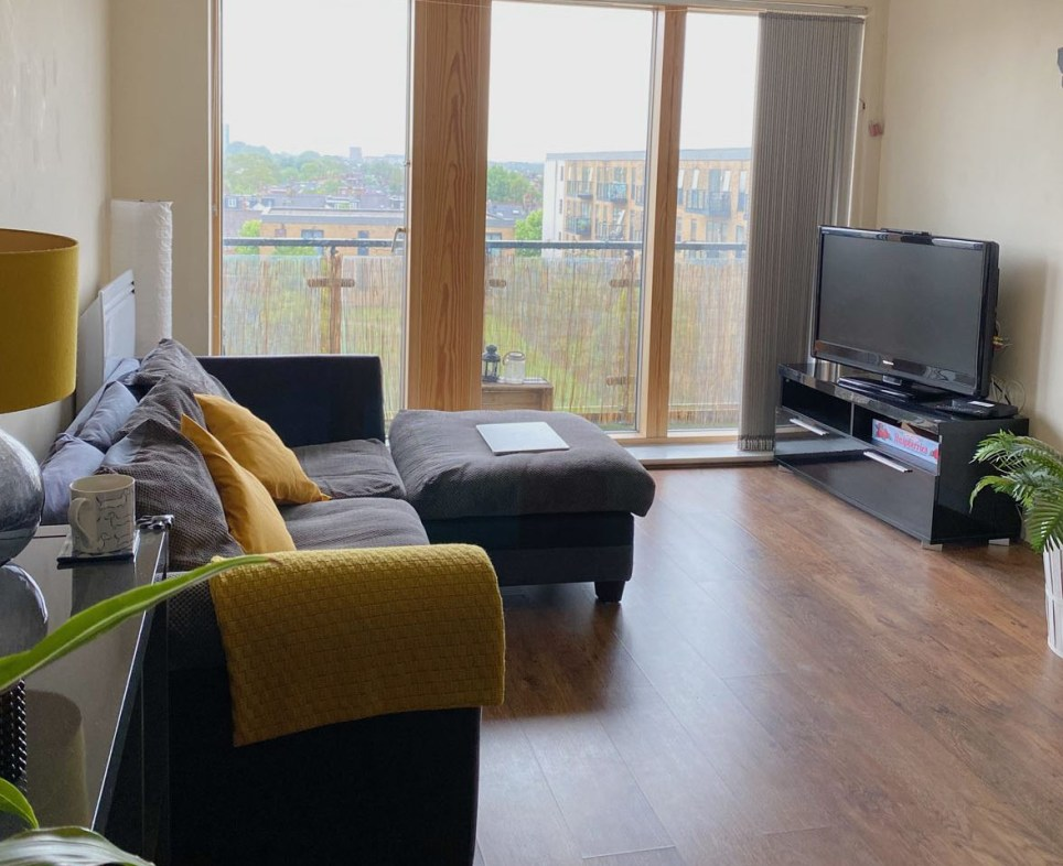 what I rent: steph kaluza Wimbledon - the living room